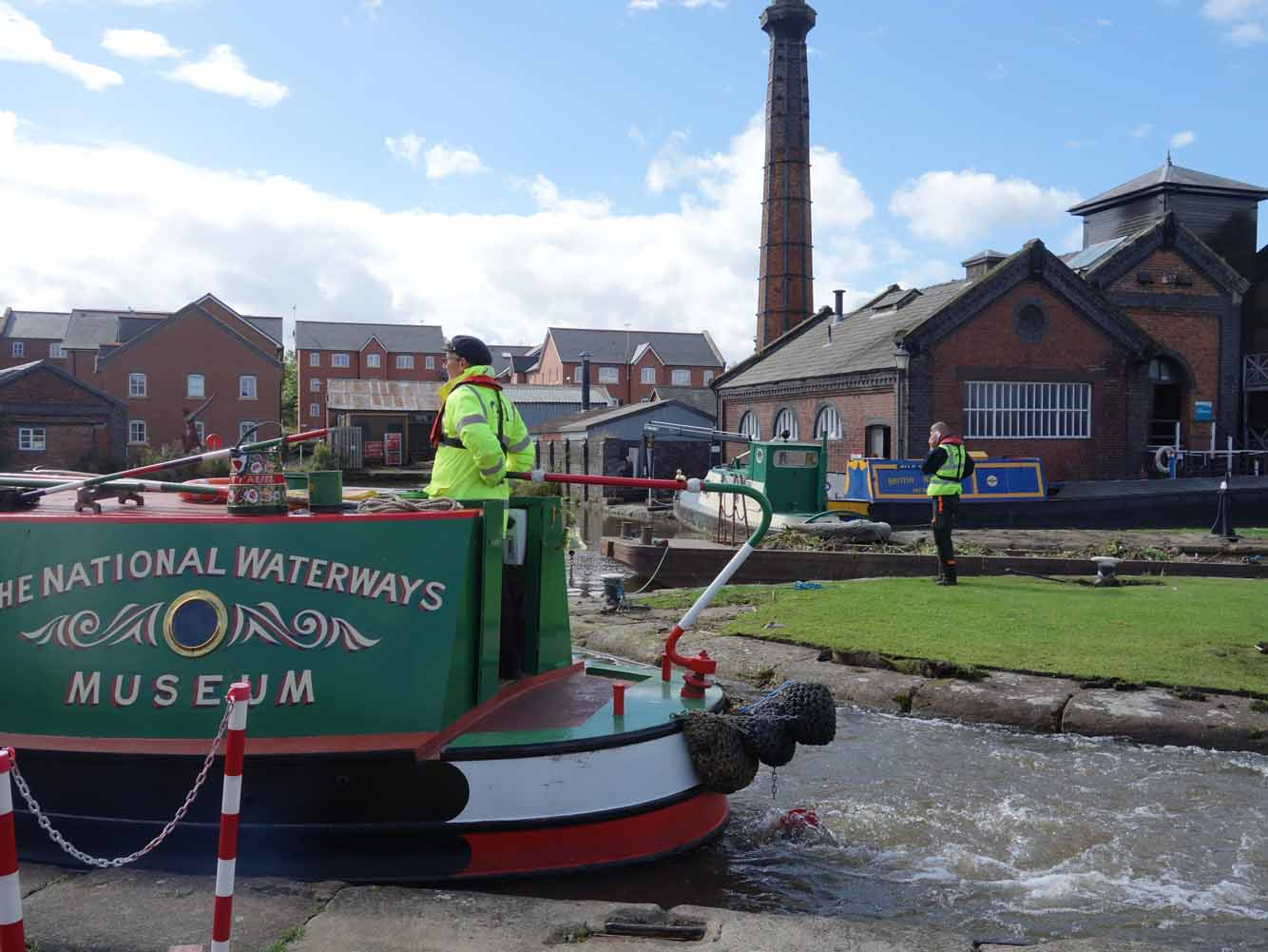 Day trip to Waterways Museum and Cheshire Oaks
