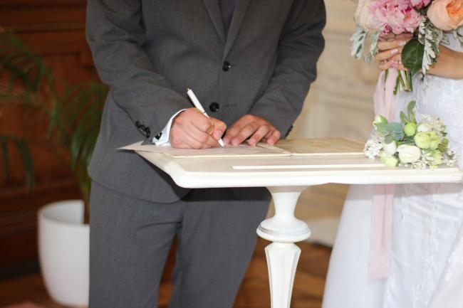Council stops taking bookings for ceremonies and prioritises death registrations