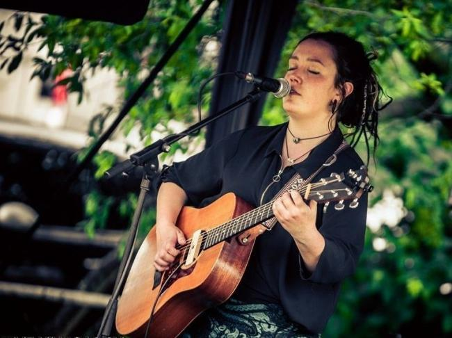 Singer songwriter Christie Bratherton releases first EP to much acclaim all over the world