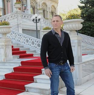 Daniel Craig promotes new Bond movie Skyfall in Istanbul