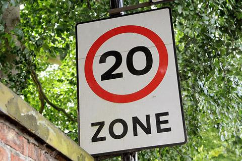 Would 20mph limit make gyratory safer?