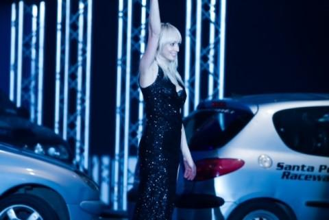 Castle resident Emma Cox took part in a live motor show in front of 3,500 people.