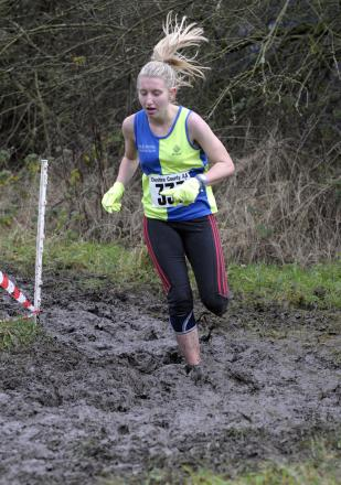 Amelia Pettitt celebrated a personal best finish at the national cross county championships on Saturday, helping Vale Royal's junior women to team gold
