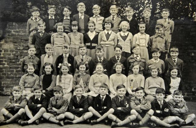 The photograph of Davenham School in 1954