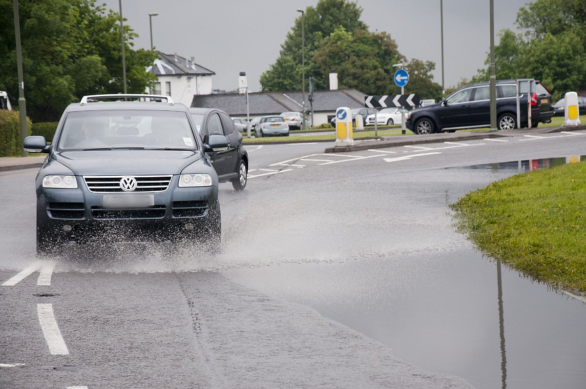 Highways Agency and Met Office warning ahead of predicted weekend thunder storms