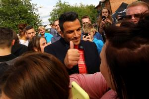 MORE PICTURES ADDED: Peter Andre films Christmas supermarket advert in Northwich