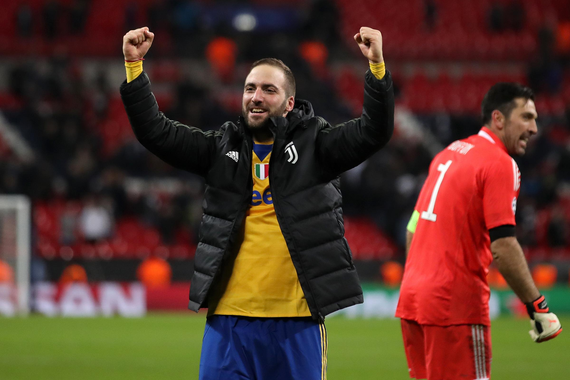 Gonzalo Higuain is expected to join Chelsea