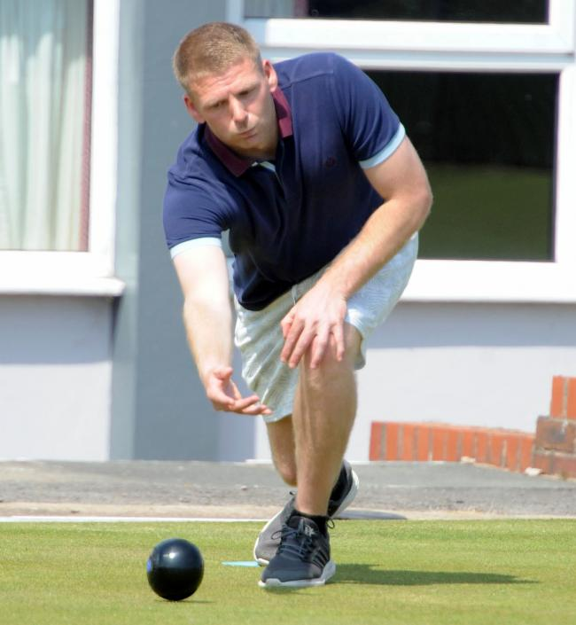 Steve Morrey, of Castle, returned a winning card for Cheshire during the away leg of a British Senior County Championship encounter with last year's winners Warwick & Worcester on Sunday